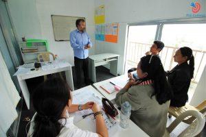 Lớp học phát âm của trường Anh ngữ BECI