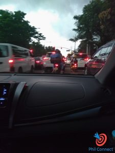 Tắc đường khi đi ra sân bay Manila