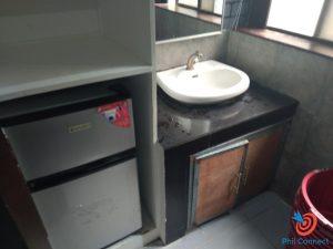 Học cấp 3 ở Philippines - bồn rửa tay trong phòng KTX