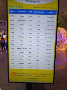 Bảng điện tử tại sân bay Manila